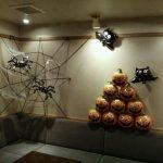季節のイベントハロウィン★バーの装飾してきました